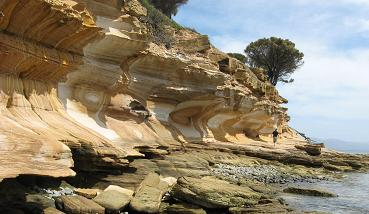 Maria Island - Painted cliffs